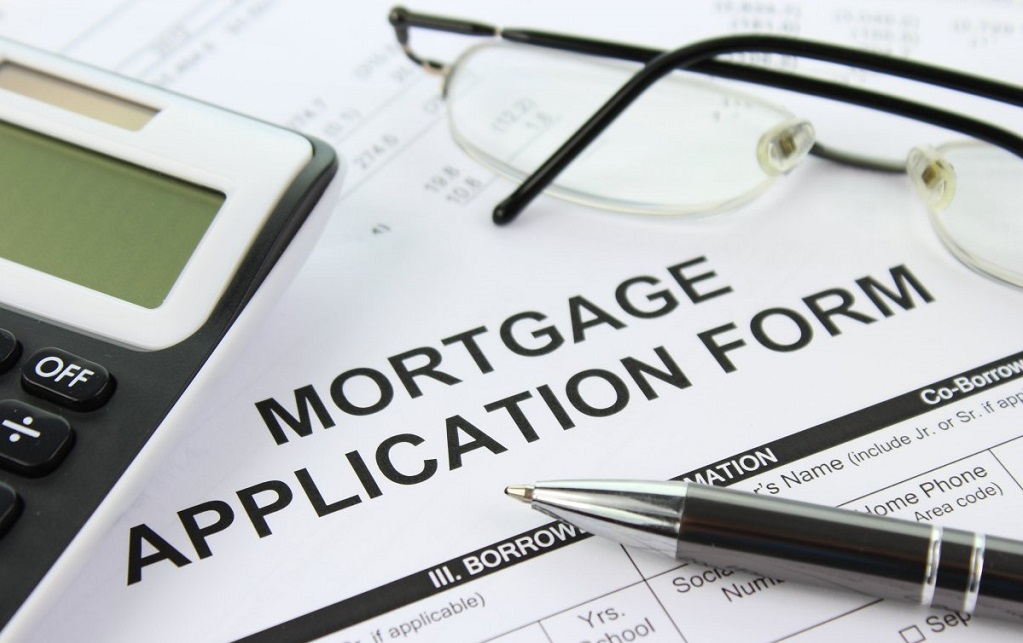 Bank mortgage lending drop suggests possible house price dip soon