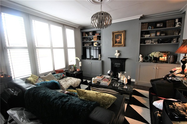 2 bed apartment bounds green