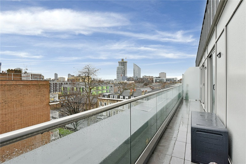 Islington 2 bed with view
